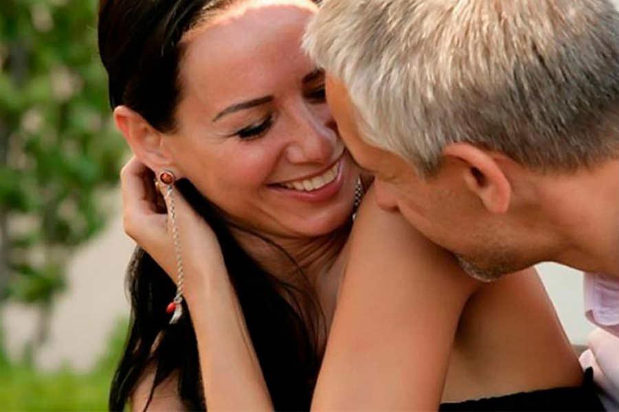 Γιατί οι γνωριμίες είναι σημαντικές στην επιλογή ενός εταίρου ζωής